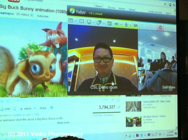 CSL LTE USB Modem Launch - Video Conference While Watching HD Video on YouTube Demo
